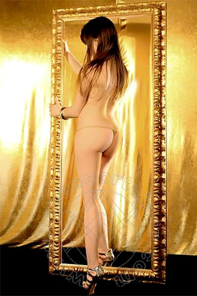 Veronika Sexy  escort MILANO Torno presto