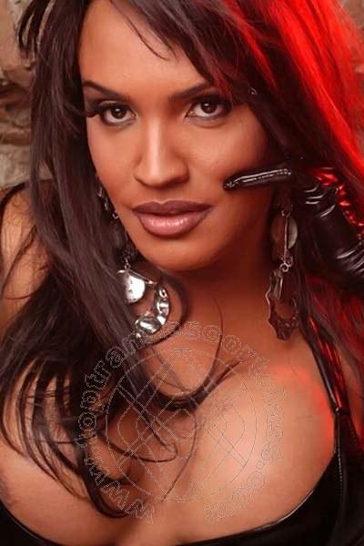 Claudia Hot  transescort MARINA DI MASSA 3898889400