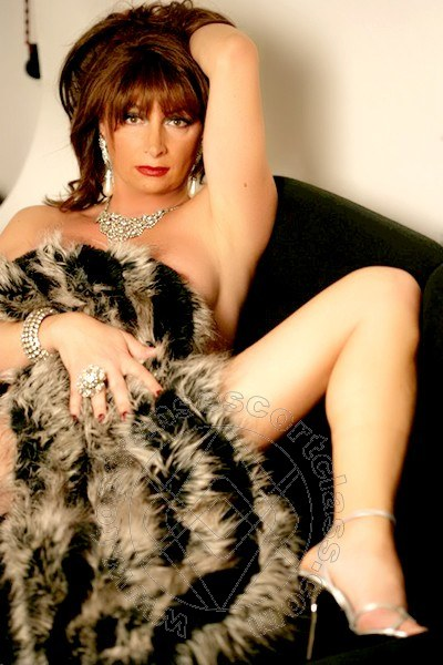 Lorena Dior  transescort TRAPANI 3381601766