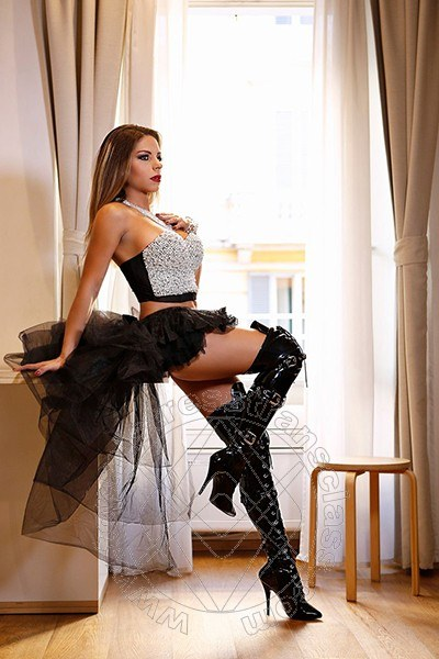 Padrona Laryssa Monteiro  mistresstrans FIRENZE 3888004886